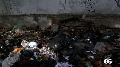 Reportagem faz mais um flagrante de descarte irregular de lixo no centro de Maceió - Desta vez, o registro foi na Rua 7 de Setembro.
