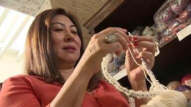 Empresária monta espaço para tricotar, fazer amigos e tomar café em SP - Veja a participação de Cintia Mourão no VC no PEGN e mande a sua história também. Reportagem exibida originalmente em 26/08/2018.