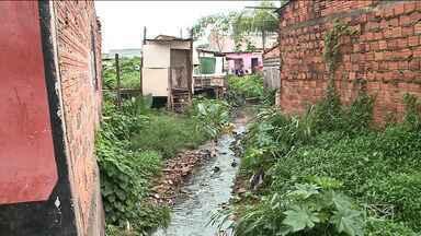 Defesa Civil classifica de 'alto risco' mais de 2 mil residências em São Luís - Há locais em que a falta de infraestrutura se junta com o período de chuvas e deixa a situação ainda mais complicada.