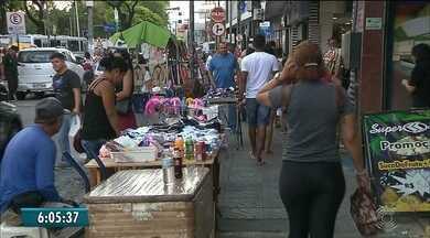 MP dá prazo à prefeitura de João Pessoa para retirar ambulantes das ruas do Centro - Ruas estão intransitáveis, segundo o MP.