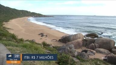 Última praia deserta de Balneário Camboriú tem novo dono - Última praia deserta de Balneário Camboriú tem novo dono