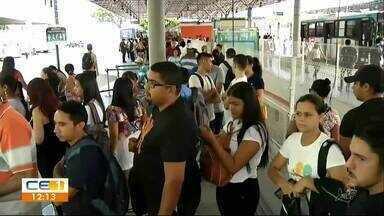 Terminal do Antônio Bezerra. Muitos policiais e uma linha de ônibus sem circular - Confira outras notícias no g1.globo/ce