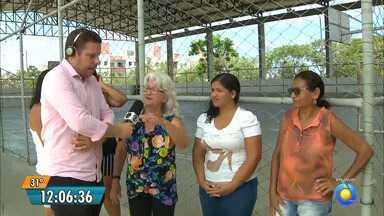 Em João Pessoa moradores lutam pela reforma de praça - A praça, que fica no Bairro das Indústrias, está coberta de lixo.