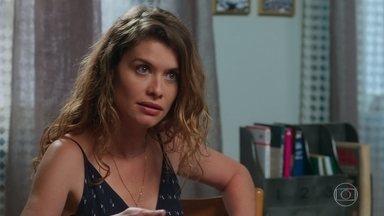 Isabel fala para Lenita sobre suas suspeitas em relação a Cris - Ela quer arrumar um jeito de fazer com que Alain interne Cris em um sanatório