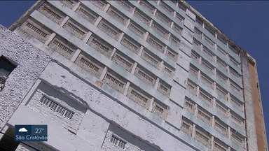 Defesa Civil Municipal realiza vistoria no antigo Hotel Palace - Parte elétrica e prevenção de incêndio ainda estão na lista de pendências para conclusão das obras.