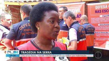 Oito anos depois, centenas de famílias aguardam por indenização pela tragédia na Serra - Assista a seguir.