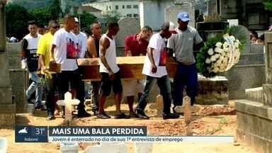 Jovem é enterrado no dia de sua primeira entrevista de emprego - Felipe Lima foi morto na porta da namorada, vítima de bala perdida, em Cavalcanti. O corpo do jovem foi enterrado nesta terça-feira (15) no cemitério de Inhaúma.