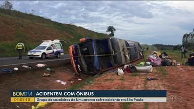 Grupo de sacoleiros de Umuarama sofre acidente em São Paulo - De acordo com alguns passageiros, um dos pneus do ônibus estourou.