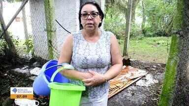 Após onze dias sem água, moradores da Zona Leste de Porto Alegre reclamam - Assista ao vídeo.