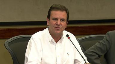 Eduardo Paes e Silas Malafaia são réus em ação por improbidade administrativa - O ex-prefeito do Rio e o pastor evangélico são acusados de mau uso do dinheiro público na Marcha Para Jesus, em 2012. Eduardo Paes negou as acusações.