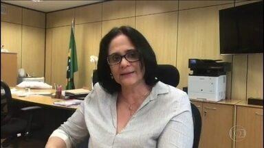 Damares Alves diz que educação domiciliar permite pais gerenciarem o conteúdo - Damares Alves revelou que a Medida Provisória que trata do ensino domiciliar está pronta e deve ser publicada e enviada ao Congresso.
