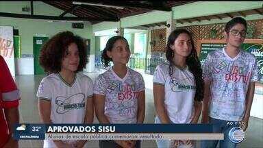 Estudantes de escolas públicas se destacam e comemoram aprovações no Sisu - Estudantes de escolas públicas se destacam e comemoram aprovações no Sisu