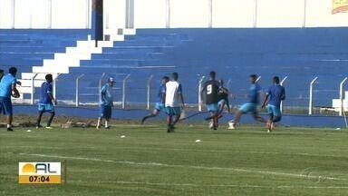 Azulão joga hoje na terceira rodada do alagoano para garantir três pontos - Treinos seguem para a maratona de jogos.