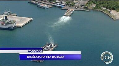 Veja situação da balsa neste momento - Vancop sobrevoa o canal de São Sebastião.