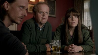 Episódio 6 - Lance descobre que Maggie sabia que ele tinha ganhado na loteria; Andy e Becky se acertam; e Larry Bishop diz de quem são os ossos desenterrados de sua propriedade.