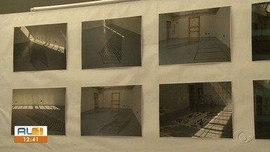 Artista Vania McLeod realiza exposição fotográfica em Arapiraca - Mostra está sendo realizada na Casa da Cultura na cidade