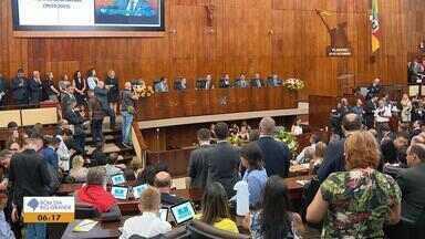 Conheça os novos deputados que tomaram posse no RS - Luis Augusto Lara é eleito novo presidente da Assembleia Legislativa.