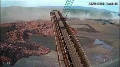 Boletim JN: Imagens mostram velocidade da lama após rompimento de barragem em Brumadinho - A Vale cedeu as imagens para as autoridades que estão investigando o desastre em Brumadinho. Elas mostram o momento do rompimento da barragem de Córrego do Feijão. A TV Globo teve acesso com exclusividade ao vídeo.