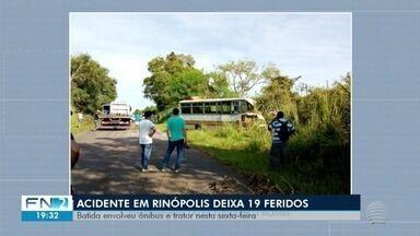 Acidente entre ônibus e trator deixa 19 pessoas feridas - Colisão aconteceu em Rinópolis.