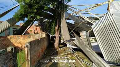 Temporal com granizo causa estragos em 120 casas; não há feridos - Também foram atingidos pela chuva dois postos de saúde, uma quadra coberta e prédios comerciais.
