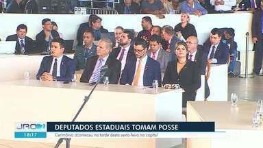 Senadores, deputados estaduais e federais tomaram posse nesta sexta-feira (1) - Cerimônias aconteceram em Brasília e Rondônia.