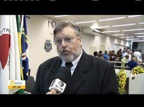 É empossada a nova diretoria da Câmara Municipal de Governador Valadares - O novo presidente da Câmara Municipal de Governador Valadares, Júlio Avelar, fala sobre as propostas para a cidade.