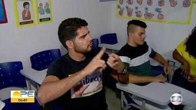 Paulista oferece curso gratuito de Libras - Para participar do curso é preciso ter mais de 15 anos. Inscrições vão até a sexta (8).