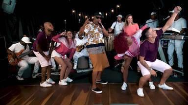 Camila Marinho aprende a coreografia de ''Subindo e Descendo'', aposta para o carnaval - Camila Marinho aprende a coreografia de ''Subindo e Descendo'', aposta para o carnaval