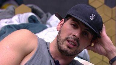 Maycon reflete: 'O meu erro maior foi com a Isa' - Brother reflete com Tereza