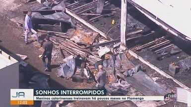 IML libera corpos dos dois catarinenses que forma vítimas do incêndio no CT do Flamengo - IML libera corpos dos dois catarinenses que forma vítimas do incêndio no CT do Flamengo