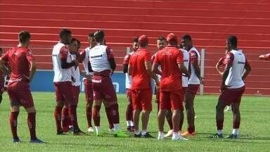 Vila Nova recebe o Goianésia e tenta terceira vitória seguida - Tigrão joga no OBA contra o Goianésia e espera manter boa fase no Campeonato Goiano.