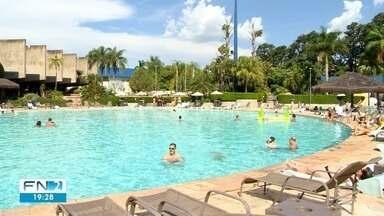 Calor intenso aumenta problemas auditivos em Presidente Prudente - Situação é reflexo da procura maior por piscinas.