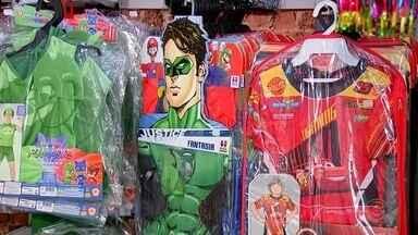 Comércio de Rio Preto inicia vendas de carnaval - O comércio de São José do Rio Preto (SP) já iniciou as vendas de carnaval.