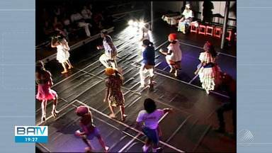 Agenda Cultural: veja as opções de lazer para este fim de semana - Entre os destaques tem a apresentação da peça teatral 'Ó Paí, Ó', do Bando de Teatro Olodum.