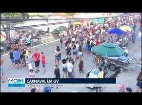 Carna Bretas faz aquecimento para o carnaval nas ruas de Governador Valadares - Vários grupos de carnavais participam da folia.