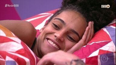 Gabriela explica questão racial para Elana - Todos entram na conversa para entender
