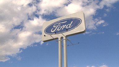Funcionários da Ford aprovam acordo que prevê demissões e redução de salário e jornada - Confira as informações no link do repórter Arthur Costa.