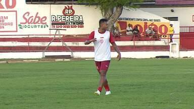 Sergipe terá três estreantes contra o Goiás na Copa do Brasil - Zé Mário, Maranhão e Giancarlo já estão à disposição de Edmilson Silva e treinaram no time titular.