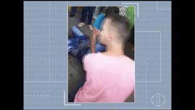 Pela segunda vez, em menos de 48 horas, montes-clarenses reagem e detêm suspeito de furtos - Nesta quarta-feira (13) um homem foi flagrado quando tentava furtar um celular; na segunda (11) moradores agrediram um jovem que tentava furtar uma motocicleta no Bairro Delfino.