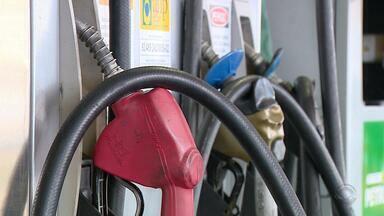 Preço da gasolina deve reduzir pela quarta vez consecutiva no RS - Motoristas comemoram reajuste.