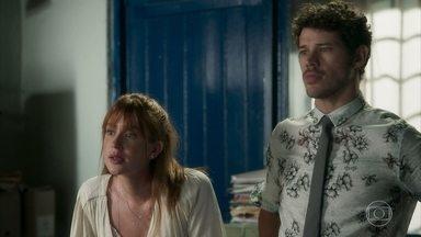 Luz se preocupa ao saber que Feijão está na casa de Valentina - Machado avisa que vai acionar o conselho tutelar para cuidar do caso