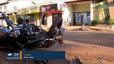 Dois motociclistas batem de frente e morrem - Acidente foi numa das ruas mais movimentadas de Dourados. Ambos morreram no local.