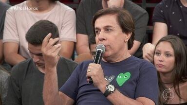 Tom Cavalcante diz que o humor é usado para crítica - Serginho mostra um trecho de 'Sai de Baixo, O Filme'