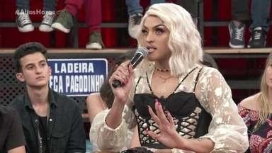 Pabllo Vittar diz que já sofreu com piadas - Serginho fala sobre o perigo do humor ferir determinado grupo e Pabllo dá seu testemunho