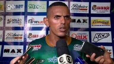 """""""Fomos melhores, a derrota nos deixa frustrados"""", desabafa Dos Santos - """"Fomos melhores, a derrota nos deixa frustrados"""", desabafa Dos Santos"""