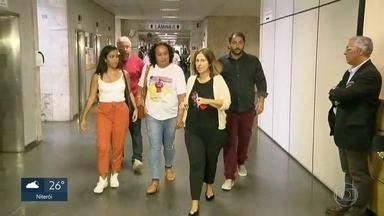 Audiência entre Flamengo e representantes das vítimas do incêndio acaba sem acordo - As famílias das vítimas da tragédia no centro de treinamento no Ninho do Urubu recusaram a proposta do Flamengo.