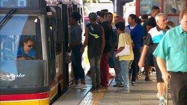 Conselho aprova nova tarifa de R$ 4,70 para os ônibus de Porto Alegre - Com o aumento, tarifa é uma das mais caras do país.