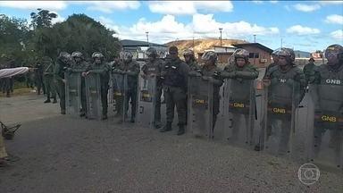 Fronteira da Venezuela com o Brasil segue fechada após ordem de Maduro - A fronteira da Venezuela com o Brasil está fechada há mais de 14 horas. E o dia está tenso na região. Líderes indígenas da Venezuela afirmam que há um morto nesses conflitos e também feridos.