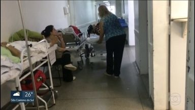 Hospital do Mandaqui tem macas espalhadas pelos corredores - Sobrecarregado, o hospital atende uma população de 2.2 milhões de habitantes