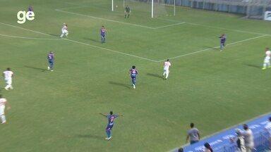 Cléber recebe na intermediária e manda balaço na trave - Fast vence o Princesa por 1 a 0, nesta quarta, pelo Campeonato Amazonense